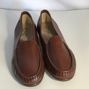 SAS Simplify Narrow Loafers in Brown
